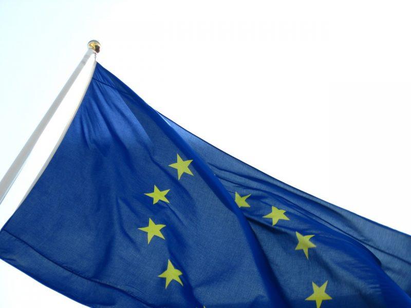 Komisja Europejska w sprawie roamingu w publicznych sieciach łączności ruchomej wewnątrz Unii